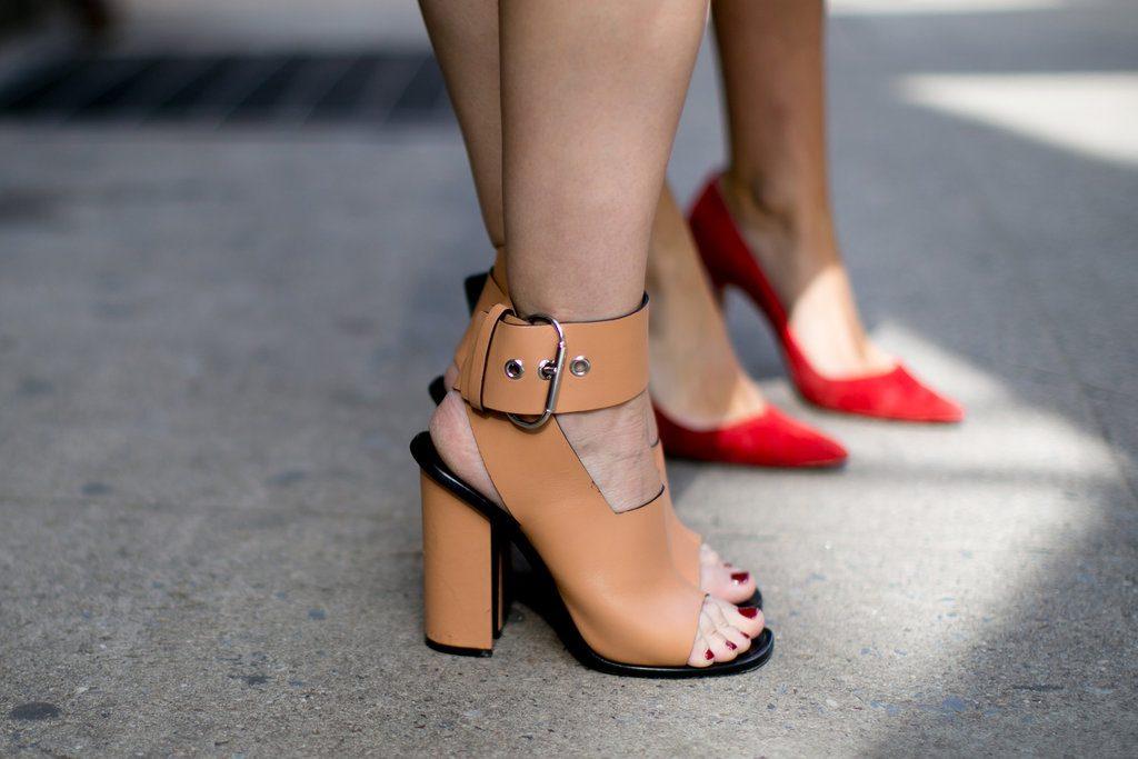 sepatu hak tinggi untuk wanita