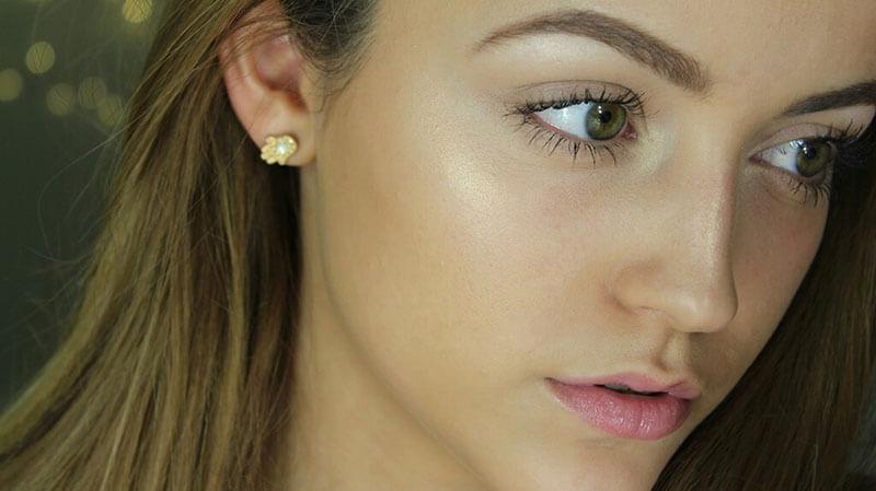 Make Up Untuk Kulit Kering: Tips Memilih Foundation Yang Tepat