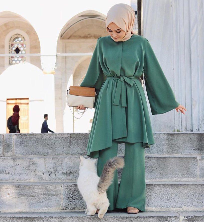 Bosan Pakai Warna Putih? Coba Kenakan Nuansa Hijau untuk Outfit Lebaran