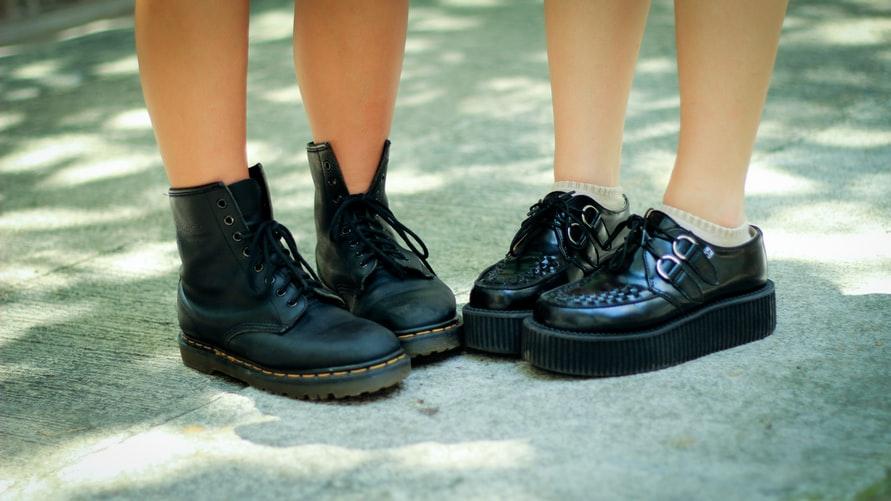 5 Tips Jitu Memakai Boots untuk Wanita Berkaki Pendek