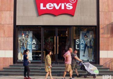 Rugi Besar, Levi's Tutup Toko di Cina Akibat Penyebaran Virus Corona