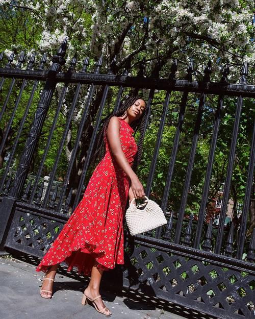 5 Tipe Outfit yang Paling Cocok Dikenakan dengan Sepatu Heels