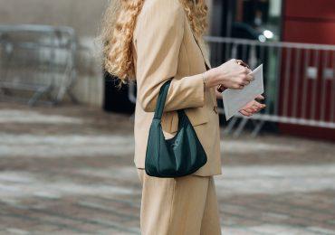 Tambah Koleksi Tas Kamu Dengan Hobo Bag yang Kekinian